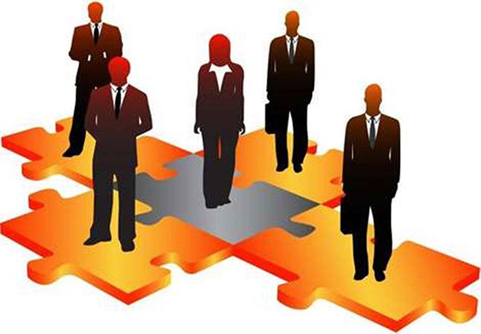 Người sử dụng lao động là các daonh ngiệp, tổ chức,...