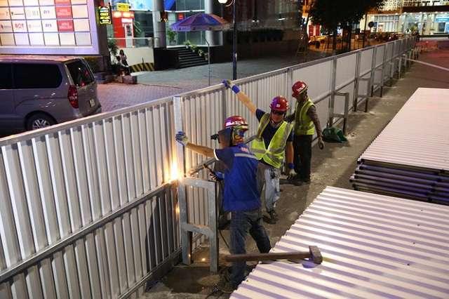 Lắp đặt hàng rào an toàn lao động