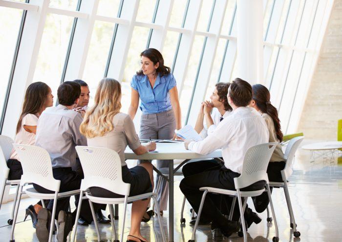 Một cuộc đàm phán của chuyên viên ngành quan hệ lao động.
